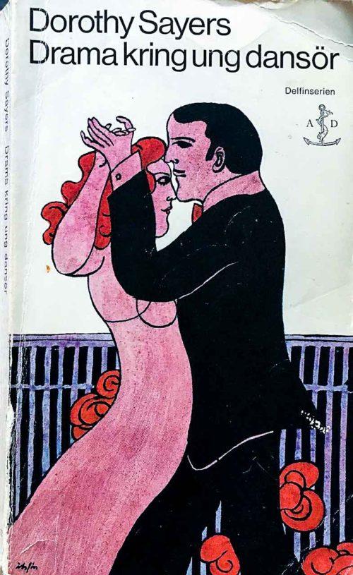 En man i svart kostym och en kvinna i långklänning som dansar tillsammans.
