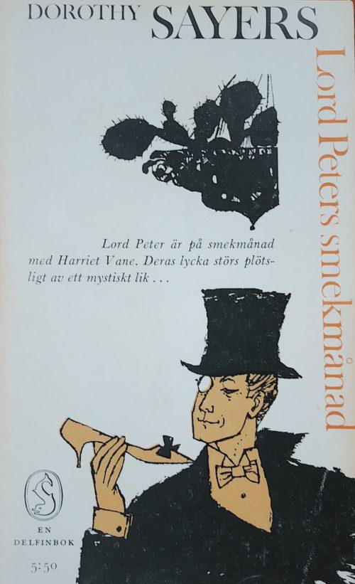 Herre i hög hatt och monokel med högklackad sko i ena handen